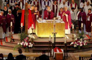 Католические похороны — традиции, обряды, порядок погребения и другие особенности