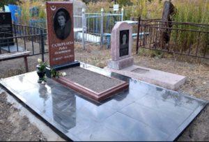 Обустройство могил и мест захоронений с помощью тротуарной гранитной плитки