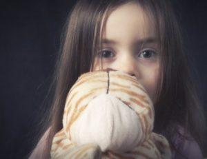 Как помочь ребенку пережить утрату близкого человека в разном возрасте
