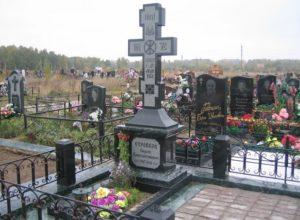 Памятники из гранита в виде креста — особенный тип памятников для особенных людей
