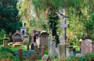 Как выбрать хороший памятник на могилу? Полезные советы для тех, кто еще не выбрал
